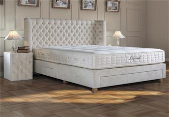 Yatsan Wagner Classic Upholstered Bed