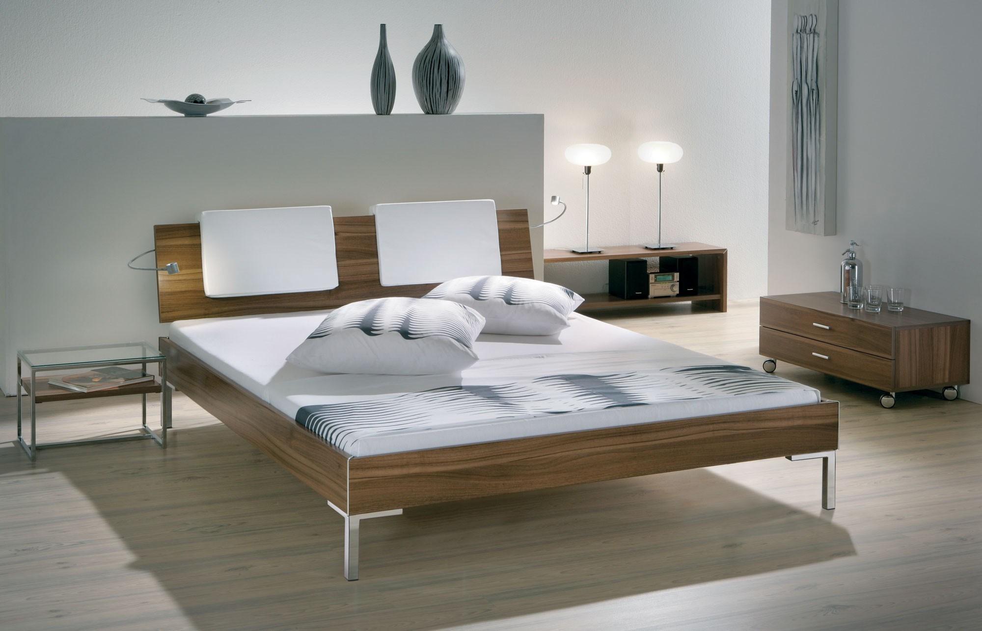 Hasena Movieline Gina Chrome Orva Varo Contemporary Bed