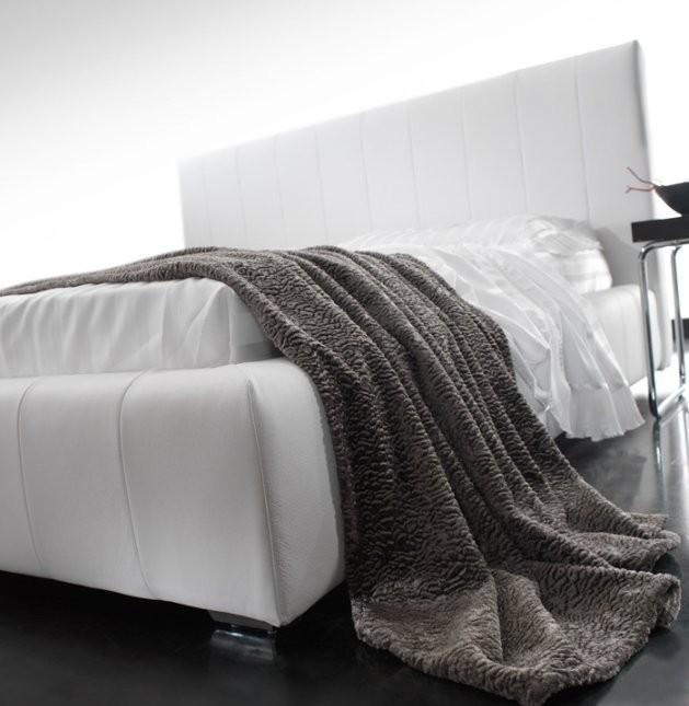 Quarrata Capri Italian Modern Leather Bed With High Rise